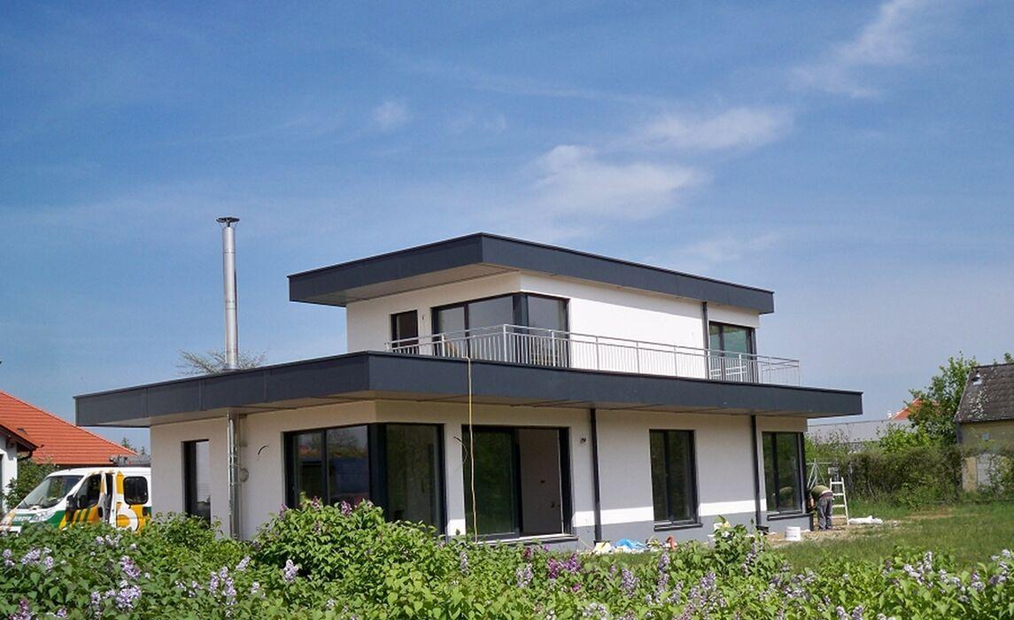 2294 Schlosshof 1